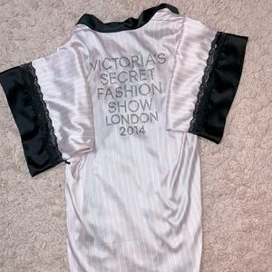Victoria's Secret 2014 Fashion Show robe